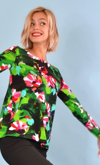 Top Le Sphinx Crazy Bloom vert, Printed jersey top, boat neckline, trapeze, long sleeves.
