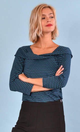Top Pénélope Pops Streaming blue duck, Jacquard knit top, glamorous, fitted, draped neckline front, manches sleeves, sixties.