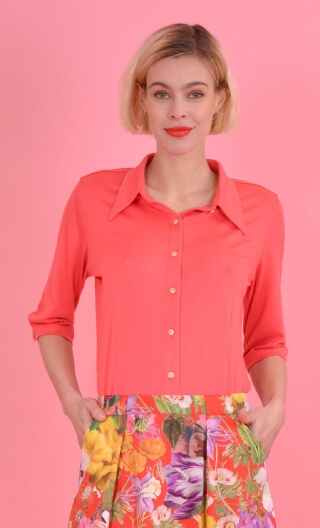 Chemise Sagan Basiques Raffinés Coral, Plain jersey shirt, waisted, pointed collar, 3/4 sleeve with wrist. Seventies.