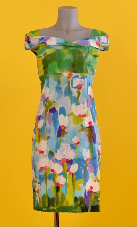 Robe Barcelona Pompadour, Glamorous printed dress, fitted and tapered, plunging neckline, knee length, 1950s.