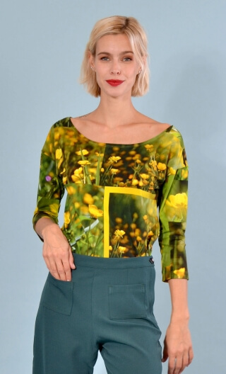 Top Fou Masqué Boutons d'Or print, loose, scoop neck, ¾ sleeve.