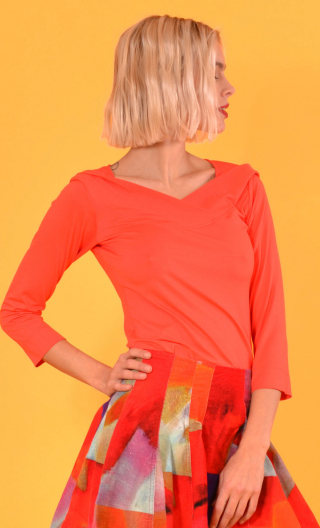 Top Pénélope Basiques Raffinés tomato red, Top in Plain jersey, glamorous, fitted, draped neckline front, 3/4 sleeves, sixties.