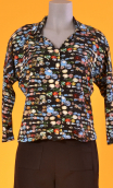 Top Hermione Murano, Printed crepe top, faux-buttoned, loose, small collar and 3/4 sleeve.