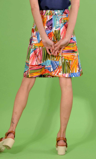 Jupe Swan Colorama, A-line printed skirt just above the knee, zipped at the back.