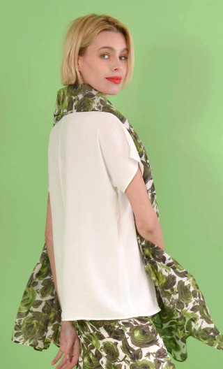 Top L'Aigrette en Plume blanc, kimono style, flared, loose sleeve, V in front, pleat