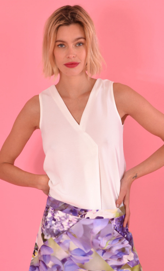 Top Luciole Plume blanc, sleeveless top, fluid, V neckline with ease pleat