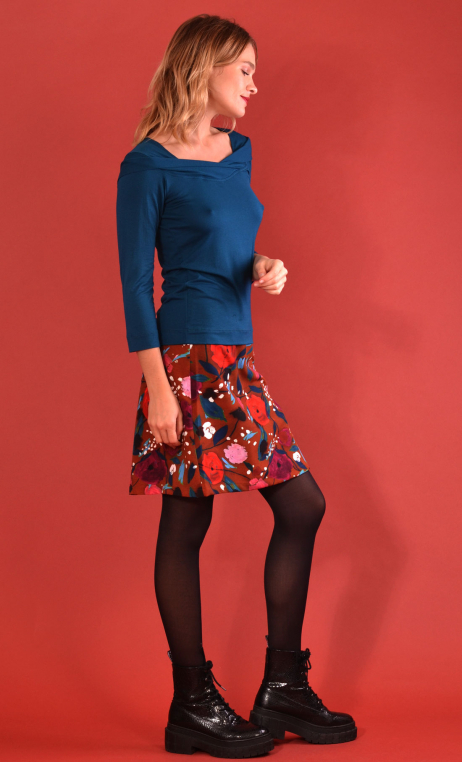 Skirt Mirabelle in Suite Royale caramel print, trapeze, just above the knee, urban chic, french style, Paris.